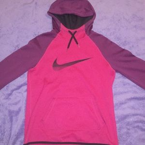 💗Purple and pink nike hoodie. Great condition!💜